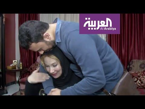 شاهد فلسطيني يلتقي بأمه بعد فراق دام 20 عامًا