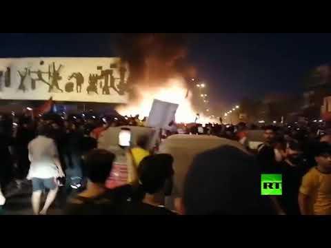 شاهد احتراق خيم معتصمين في ساحة التحرير وسط بغداد